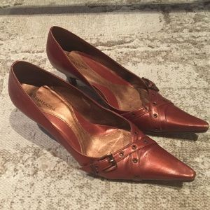 🛍2/$20 BCBGMaxAzria heels 👠 in copper color